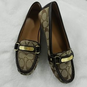 Coach 'Felisha' Sz 8.5 khaki and brown loafers